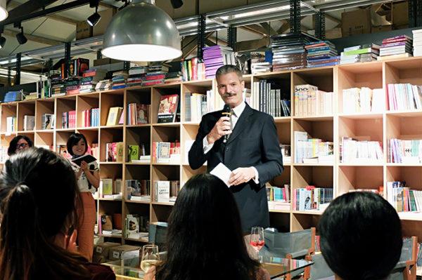 Talks About Bookshop